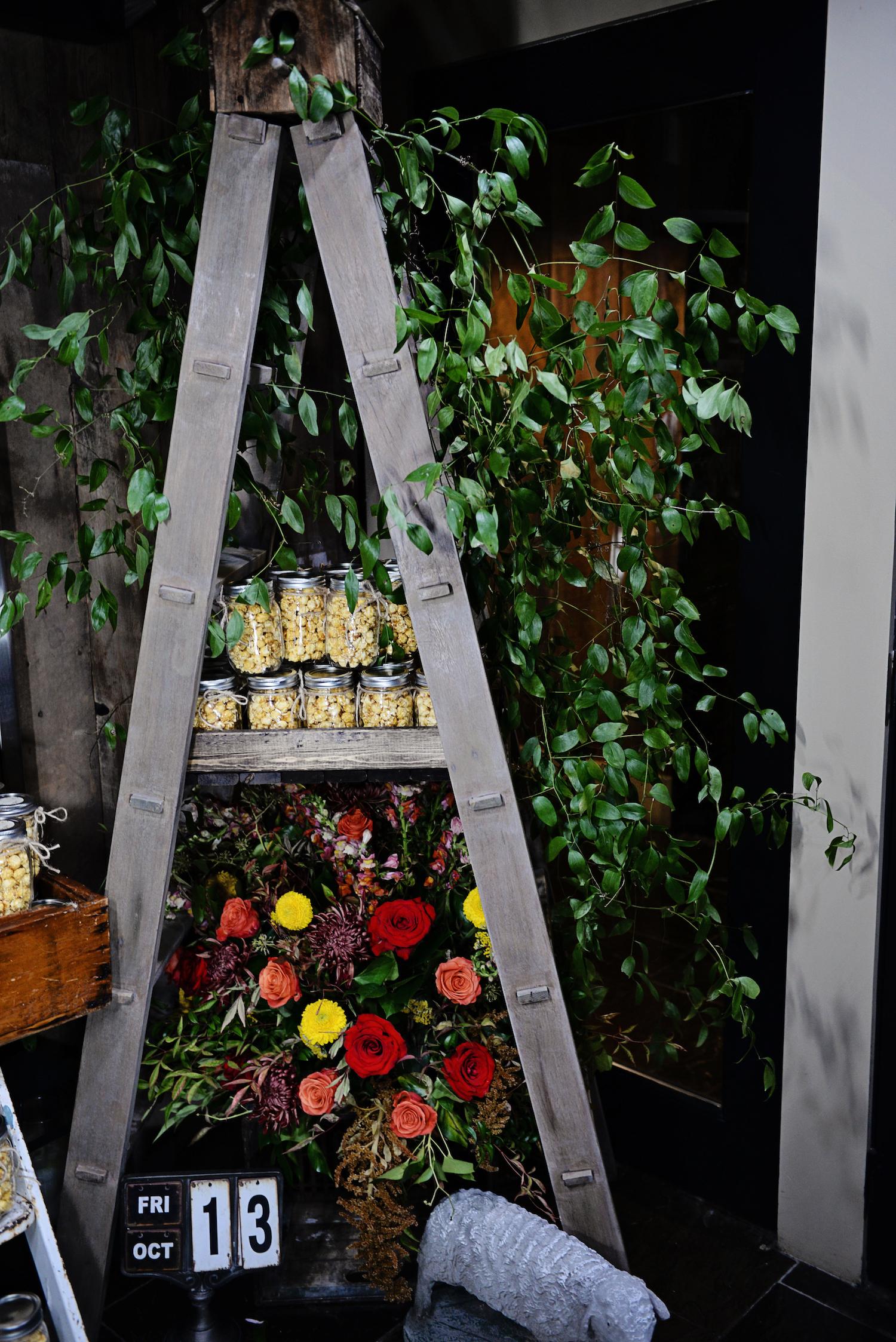 Susie-Jill-Ladder-florals-popcorn.JPG