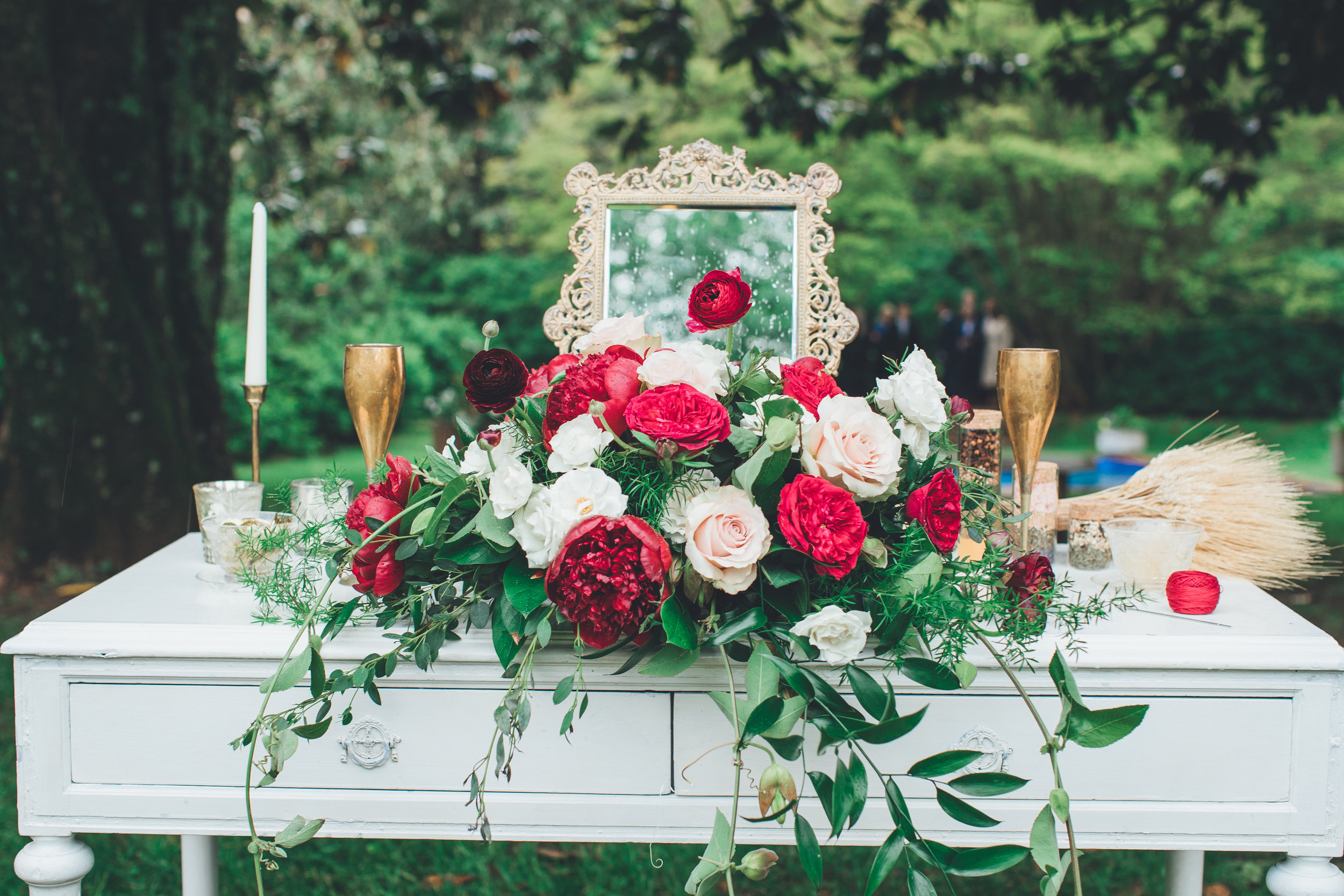 Image by    Bow Tie Photo   . This altar design, from Morven Park, in Leesburg, Virginia can be repurposed for a sweetheart table.