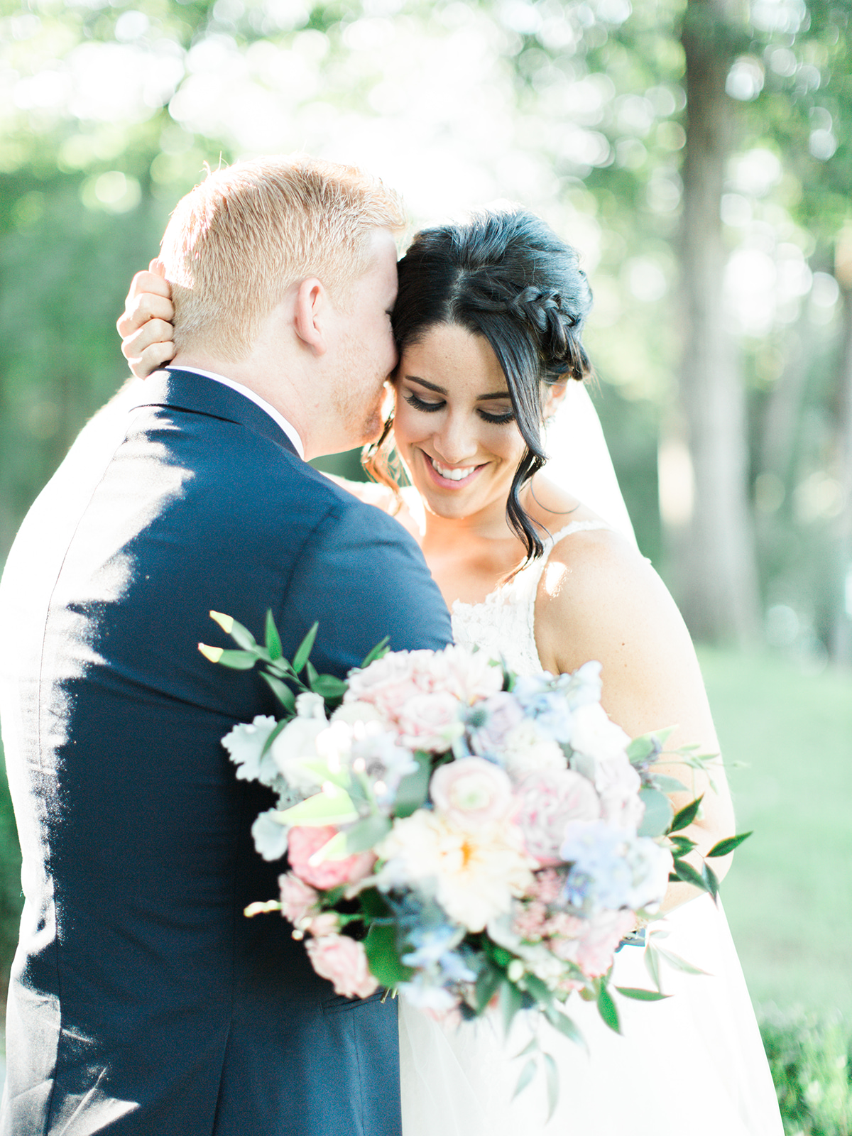 Hannah-bjorndal-bride-groom-soft-palette-bridal-bouquet-murrayhill-wedding-leesburg-virginia.jpg