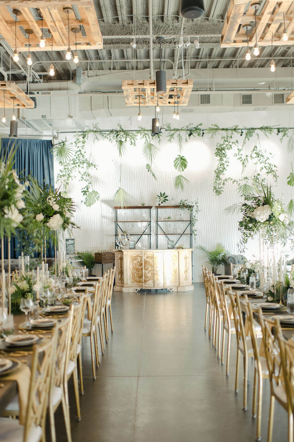 CONSTELLATION PARTY INSPIRATION WITH MATTE BLACK, GOLD, GLASS AND WOOD DETAILS - Photos by Wolfcrest Photography