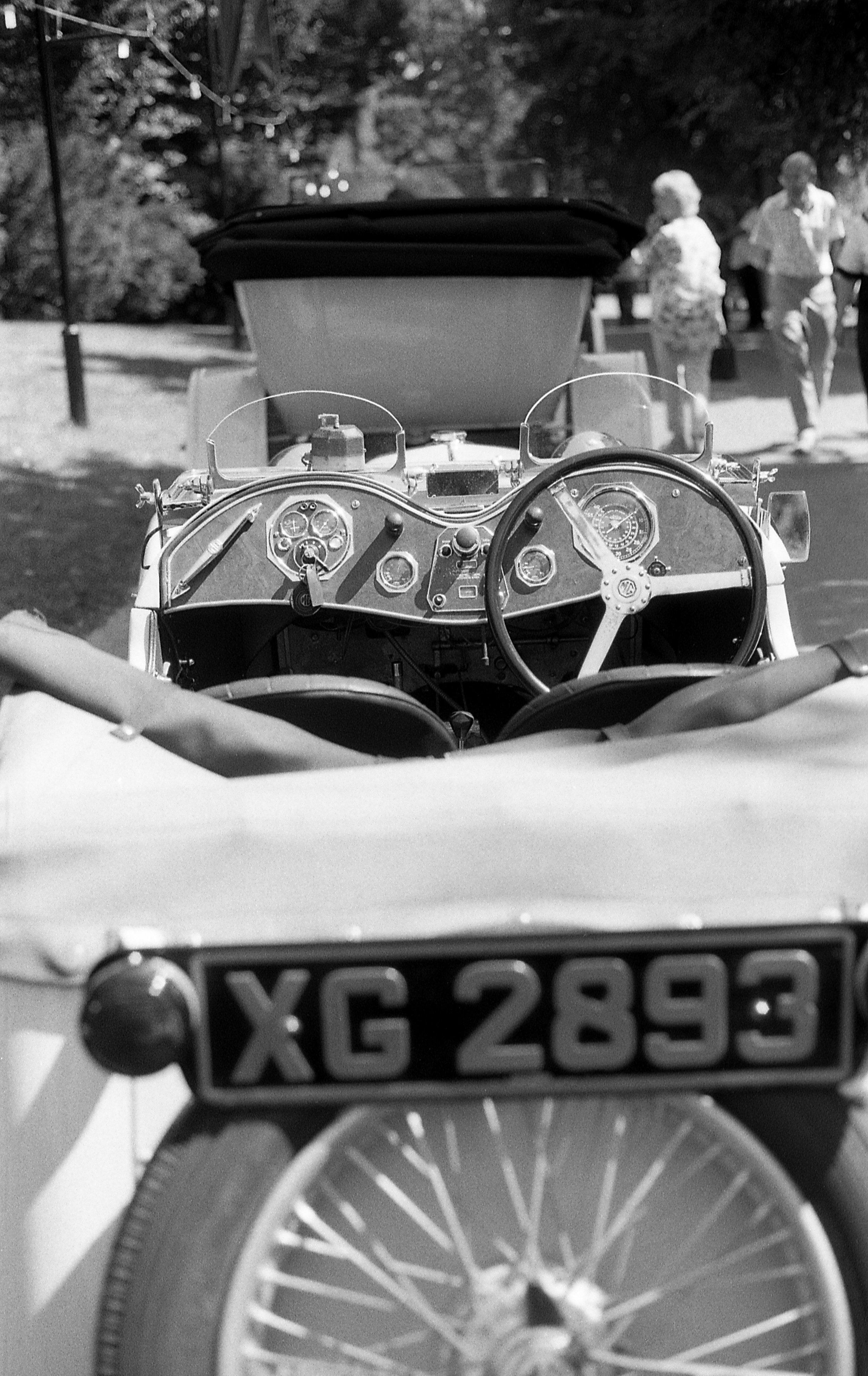 classic cars-3.jpg
