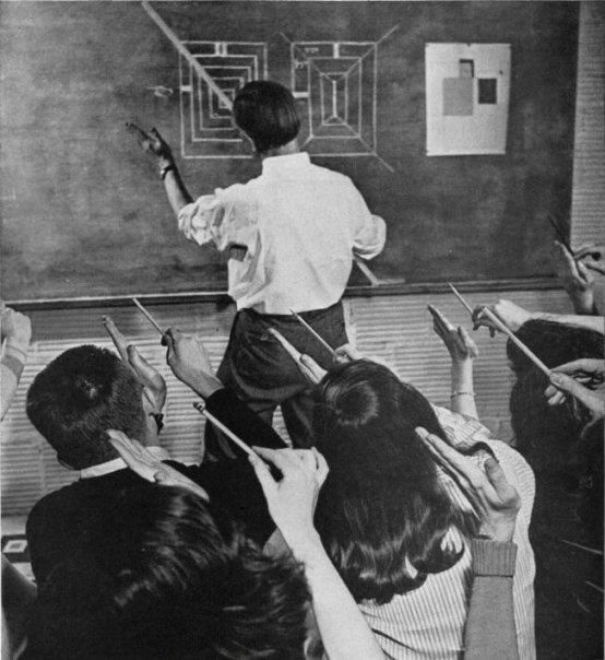 Joseph Albers teaching at the Black Mountain College.
