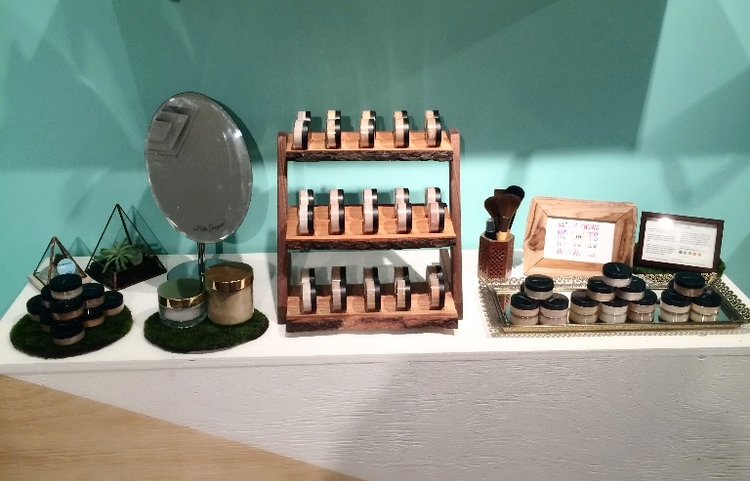 Come out this Mother's Day weekend May 6-8th for 20% off at #LNBF's Eco Pop Up Shop on All Urban Minerals Loose Mineral Foundations! -- 82 Adelaide St. East, Toronto <3
