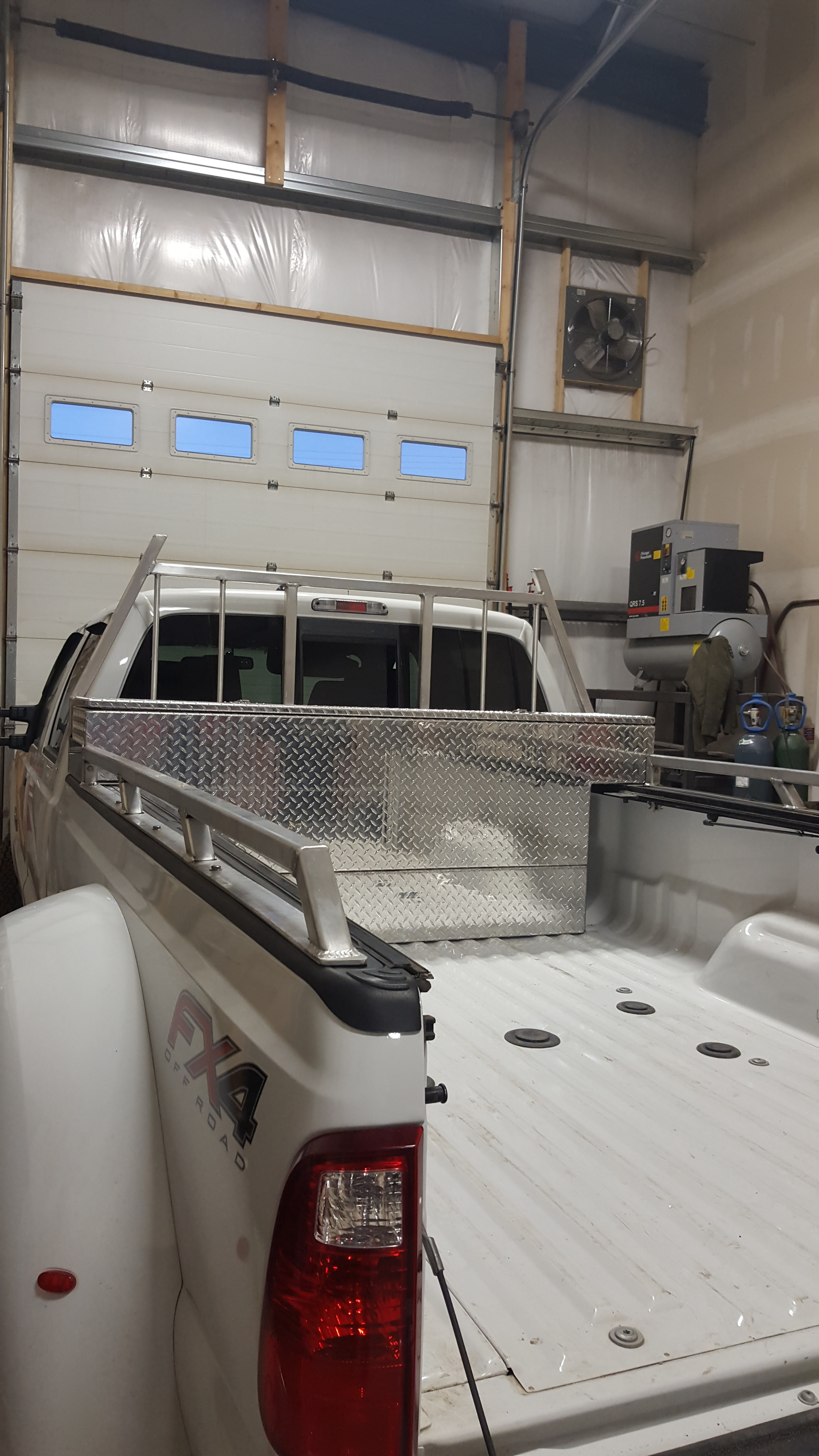 Aluminum Rack And Toolbox