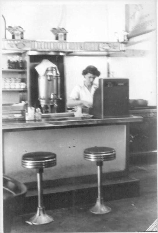 1940w burger bar.jpg