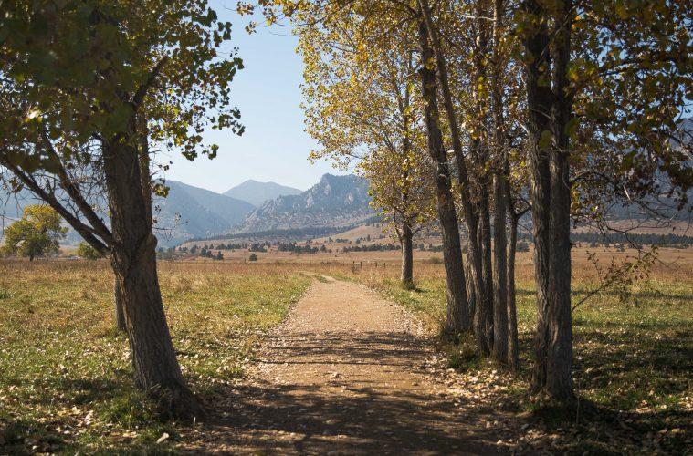 Boulder-Hike-759x500.jpg