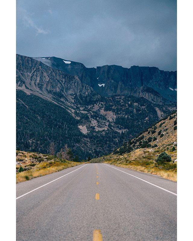 Road out of Yosemite . . . . . . . #yosemite #yosemitenationalpark #roadtrip #mountain #snowpeaks #nature #naturephotography #landscape #landscapephotography #california #sony #sonys7rii #canon #canonlens