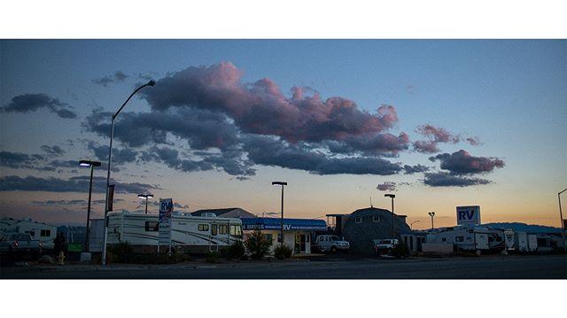 Rv park . . . . . . #california #dusk #sunset #californiaroadtrip #photography #suburbs #pinkclouds #sony #sonya7rii #canonlens #usa #magichour #streetphotography #colours #colors