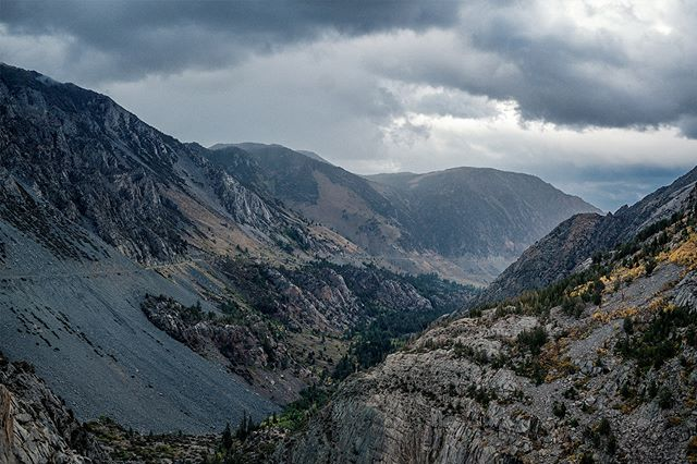 . . . . . . #mountains #california #yosemite #yosemitenationalpark #rain #sony #sonya7rii #canon #landscape #landscapephotography