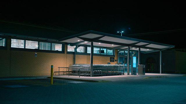 Nighttime hues . . . . . . . . . #sonya7rii #suburban #night #tealandorange #shippingcartaficionado #forgotmygreenbags