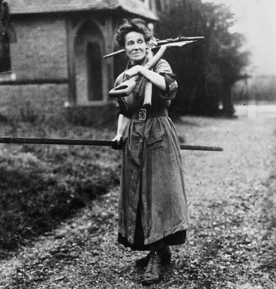 Women at work during the First World War ,Nicholls Horace, ImperialWar Museum