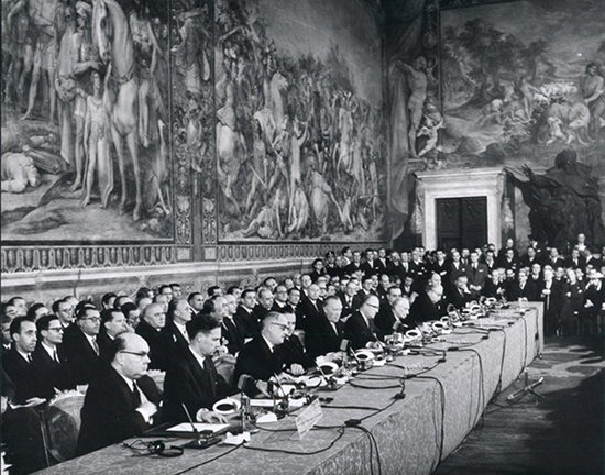 Photo, signing ceremony of the Treaty of Rome 1957 via https://en.wikipedia.org/w/index.php?curid=37305126