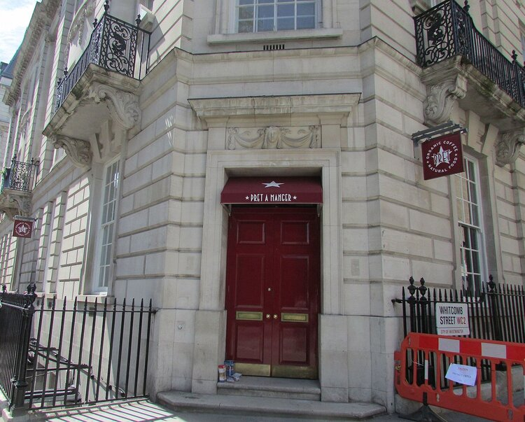 Closed door at Pret… Image with acknowledgment to  Wikipedia  and  Theworldgymnast1