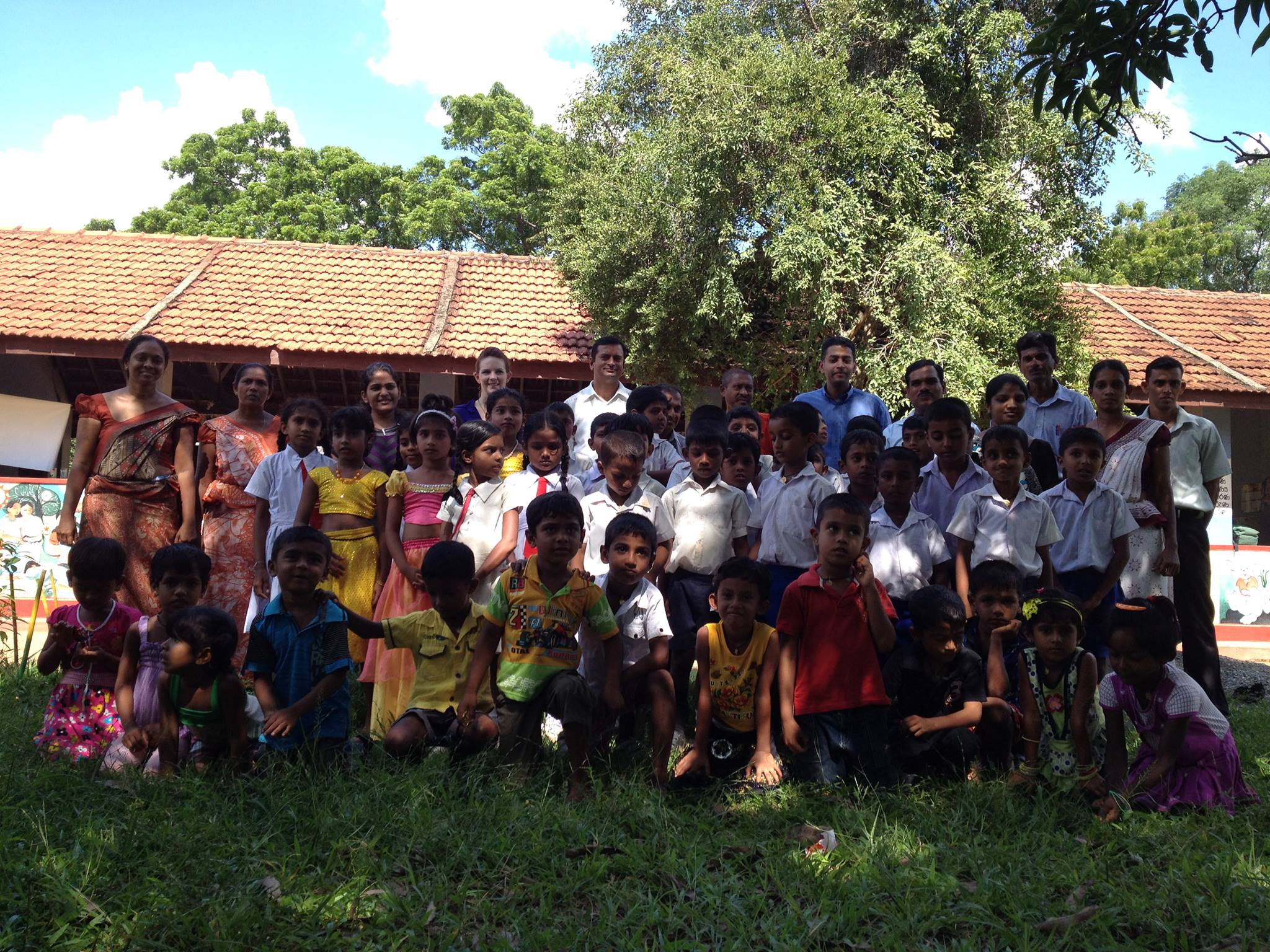 Photo of the children in Kebithigollewa.jpg