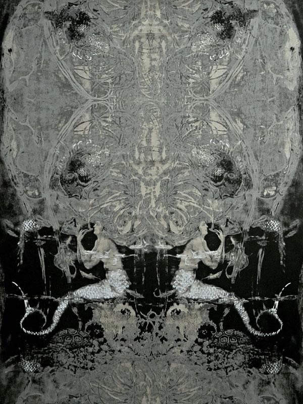 W28-04 ULTRAMARINE Black Topaz