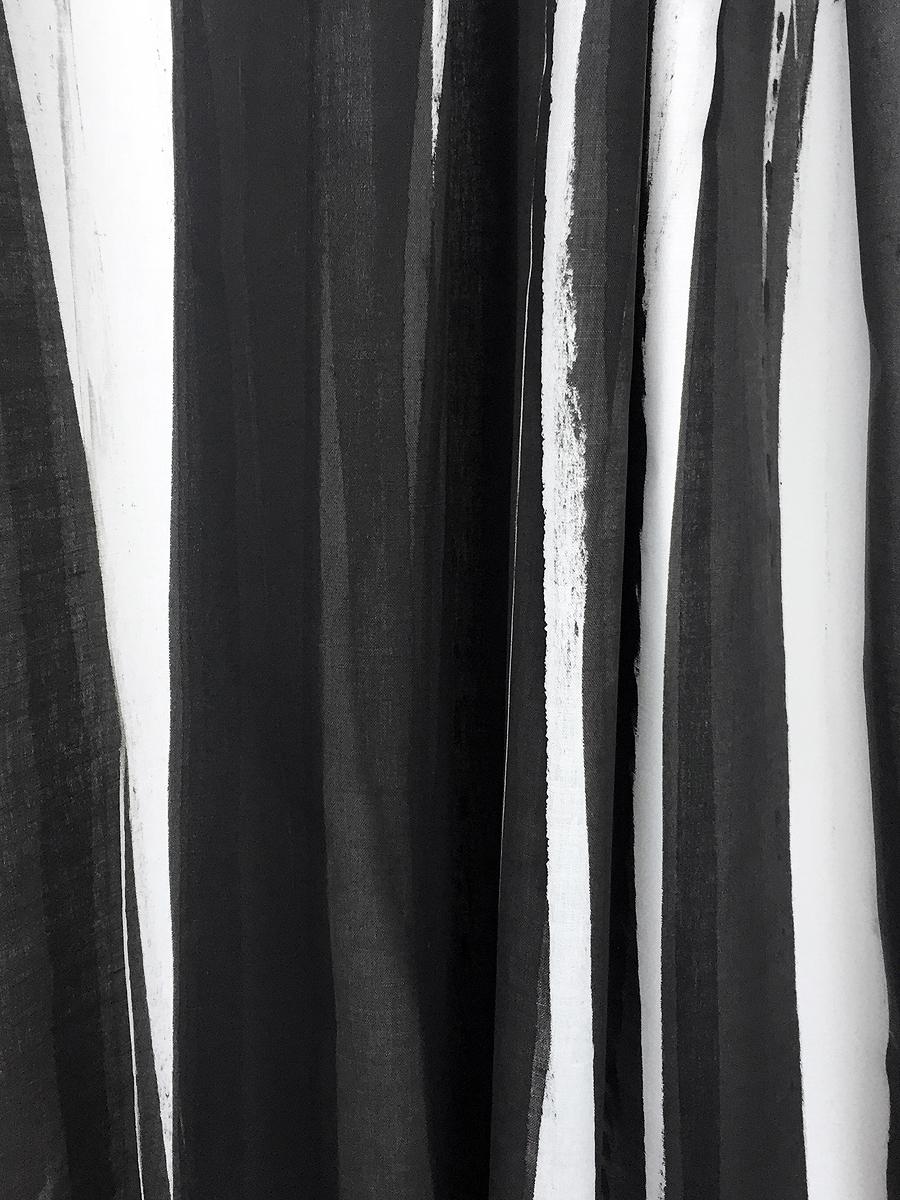 Y147-01 MERENGUE STRIPE Tuxedo
