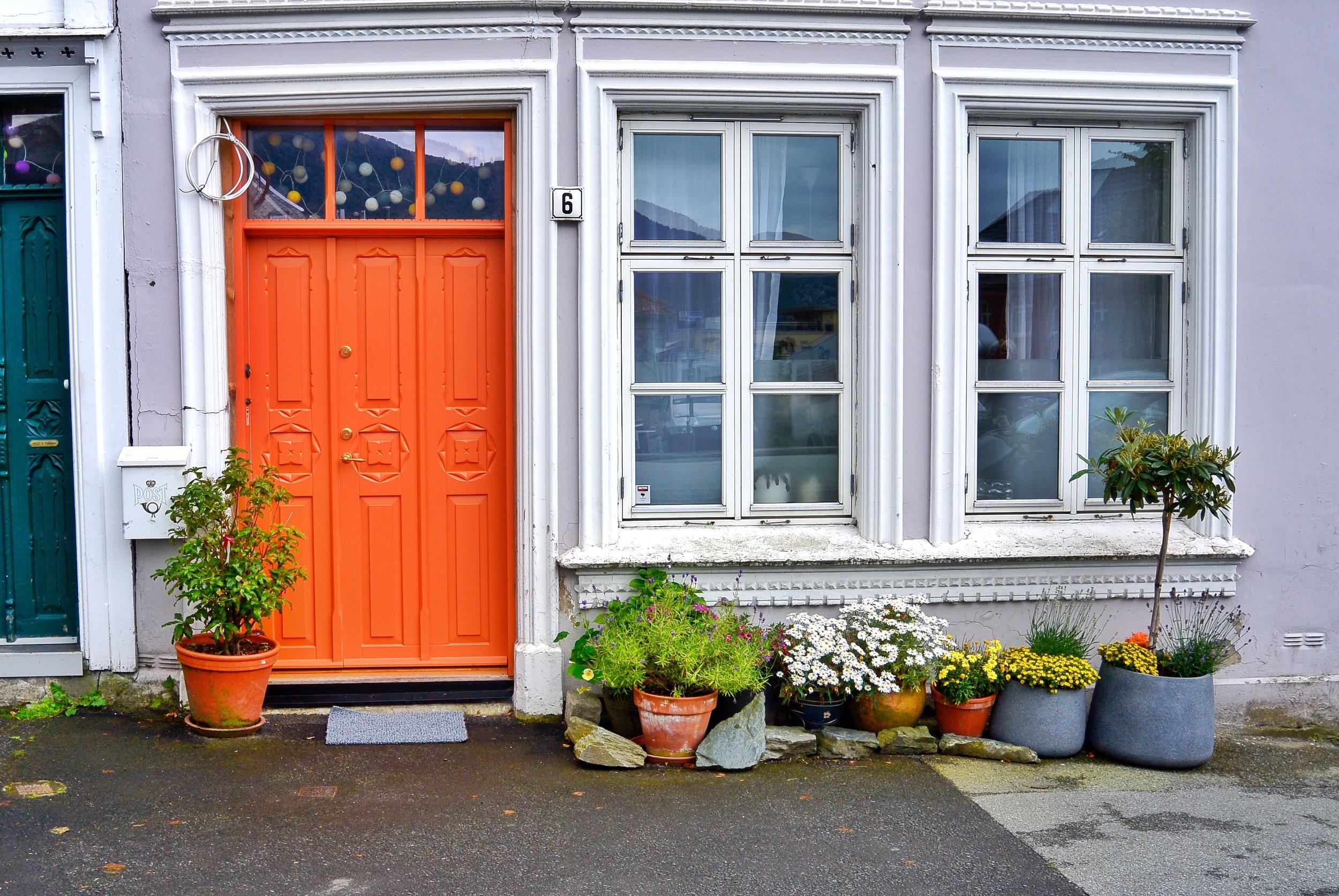 orange Door Bergen