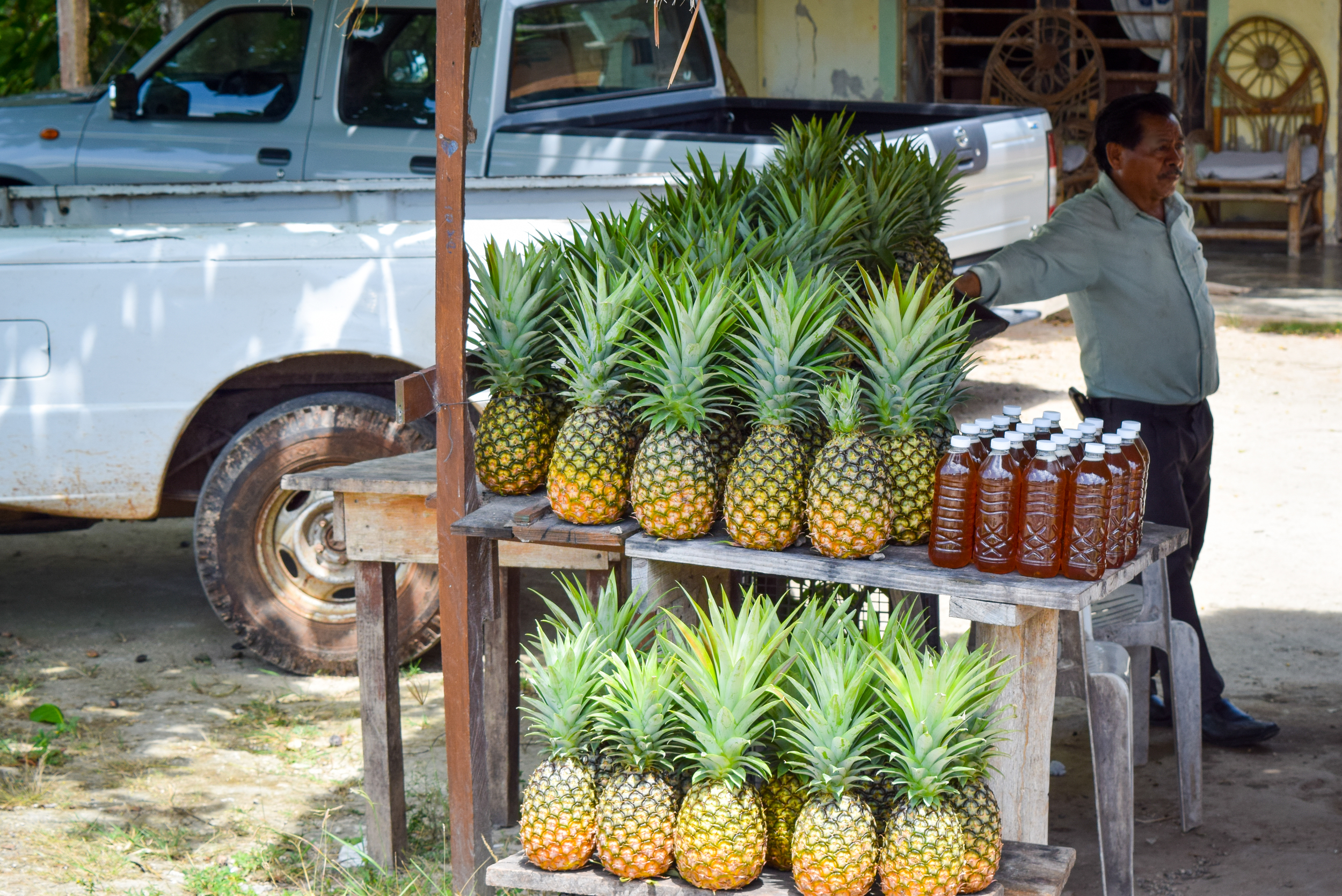 Pineapple fruit stand