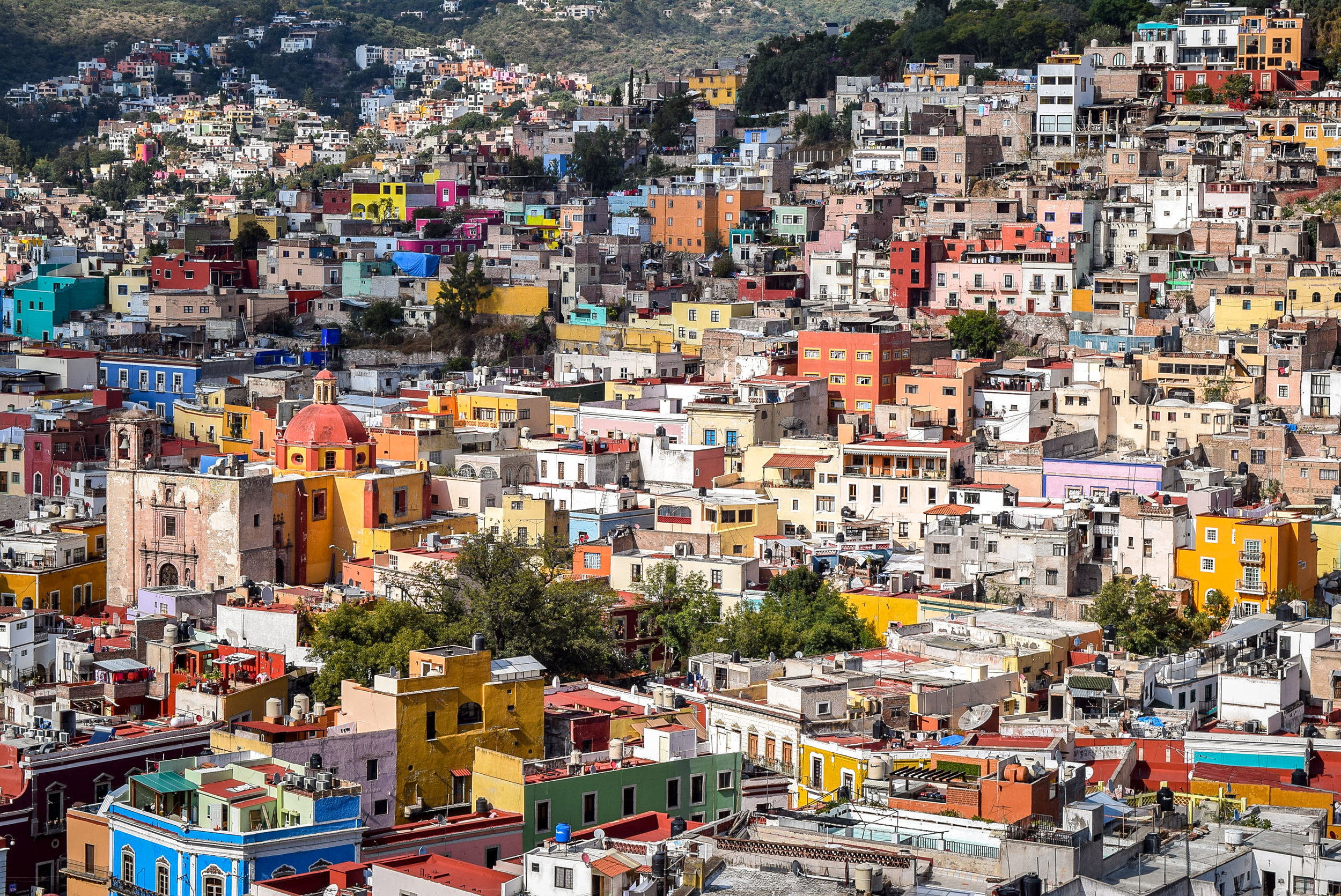 Colorful building in Guanajuato