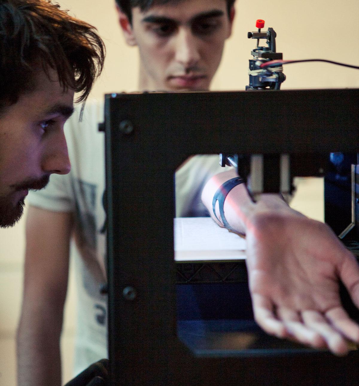 3D Printer X Tattoo Machine d'Appropriate Audiences
