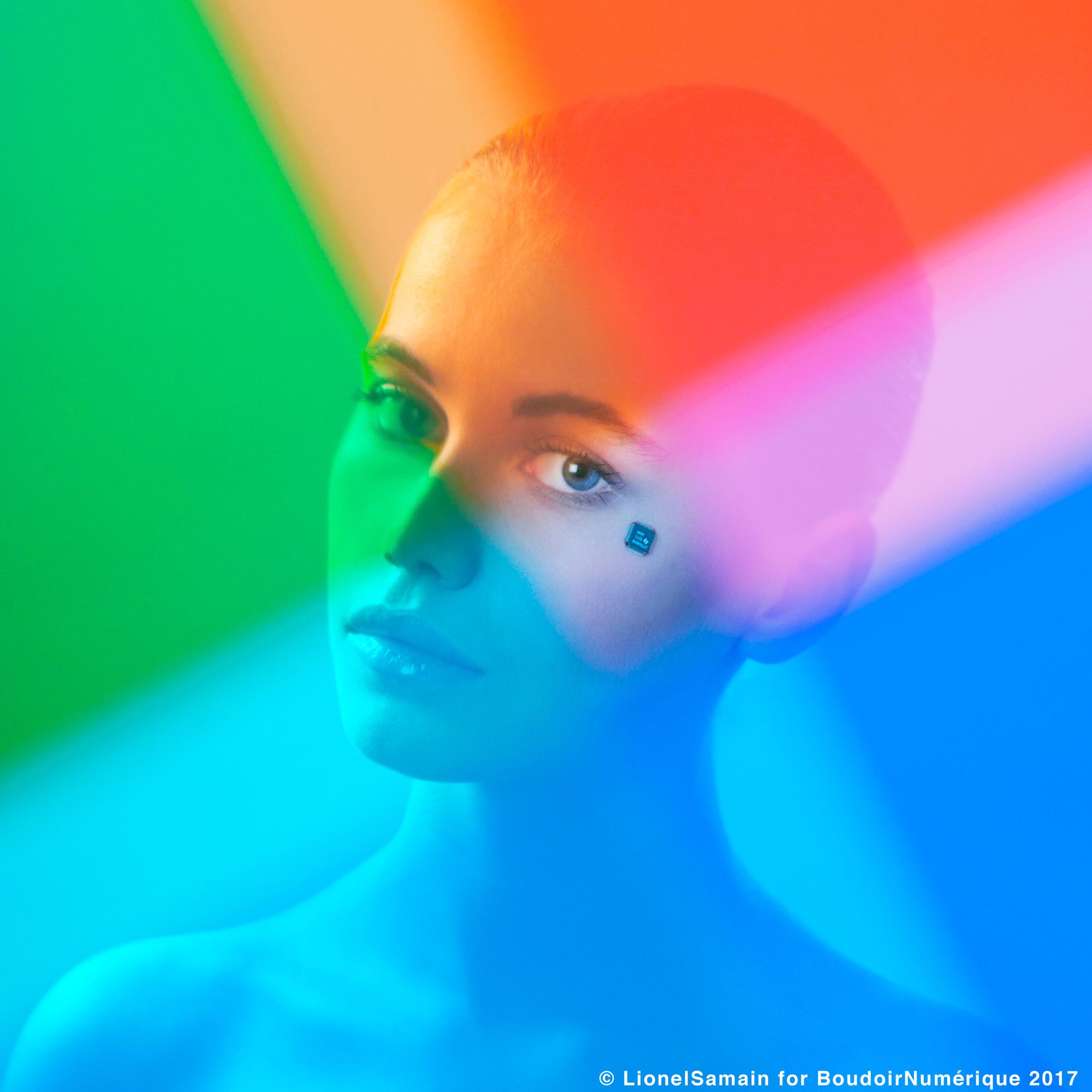 """""""La mouche du code"""" by Le Boudoir Numérique. Photographe : Lionel Samain. Makeup artist : Mathieu de Mayer avec M.A.C Cosmetics et Bumble and Bumble. Model : Paulina S. chez Mademoiselle Agency."""