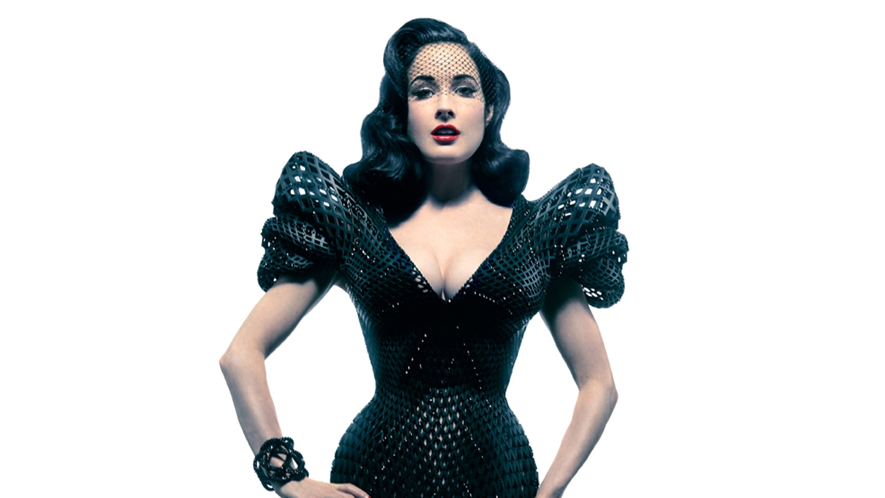 L'effeuilleuse Dita Von Teese dans la robe en 3D printing de Francis Bitonti, en 2013