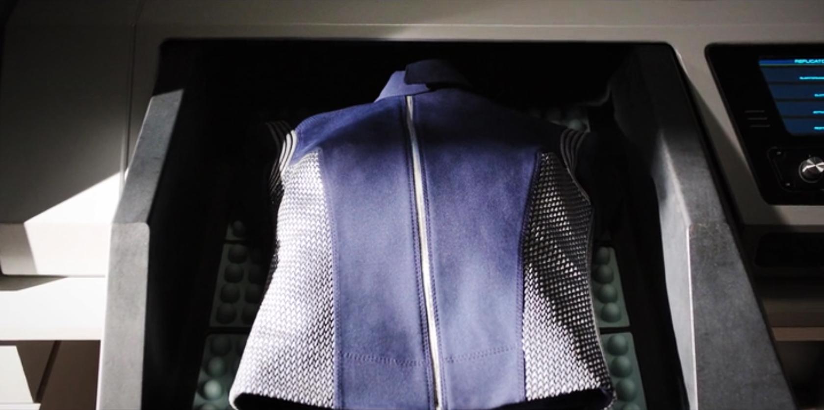 Michael Burnham's synthesized uniform (episode 4)