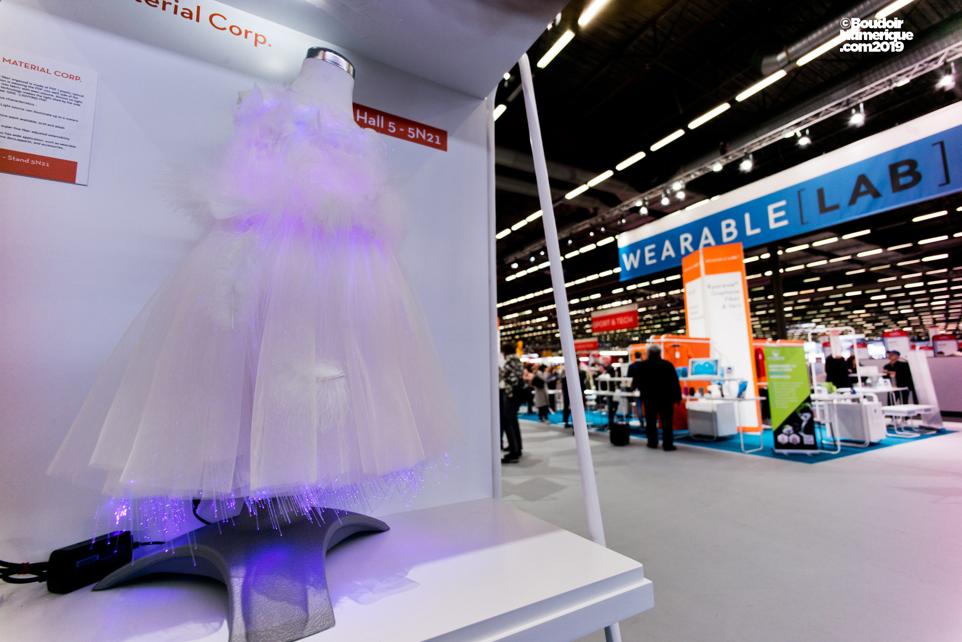 Organza dress, woven with plastic optical fiber, from the taiwanese company Unitex Material Corp.