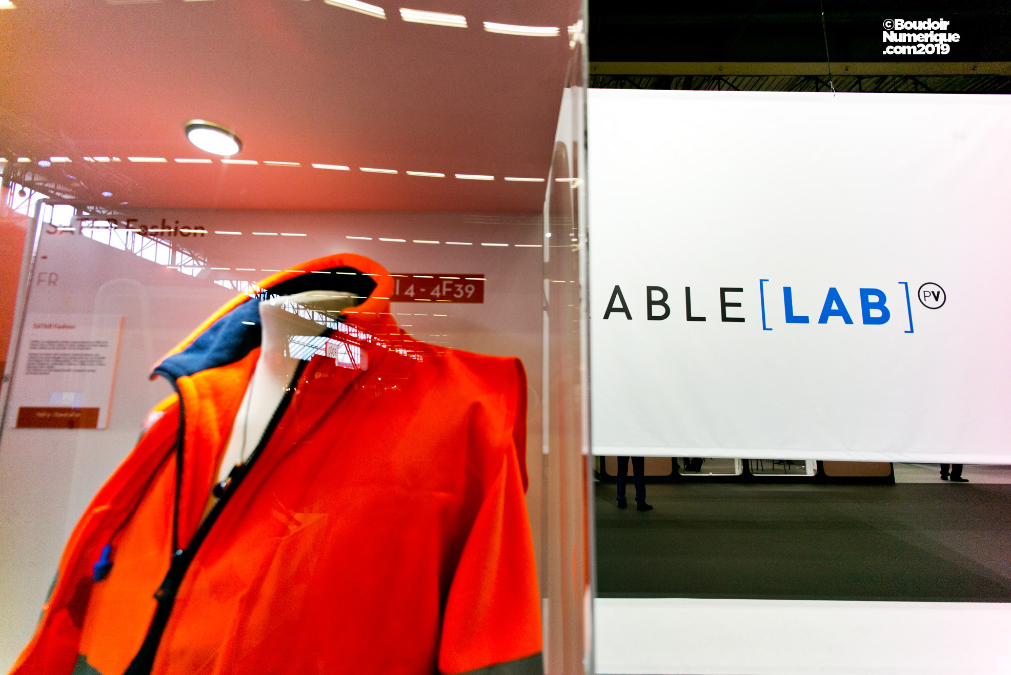 The french company Satab offers designers of e-textile a range of connected ribbons.