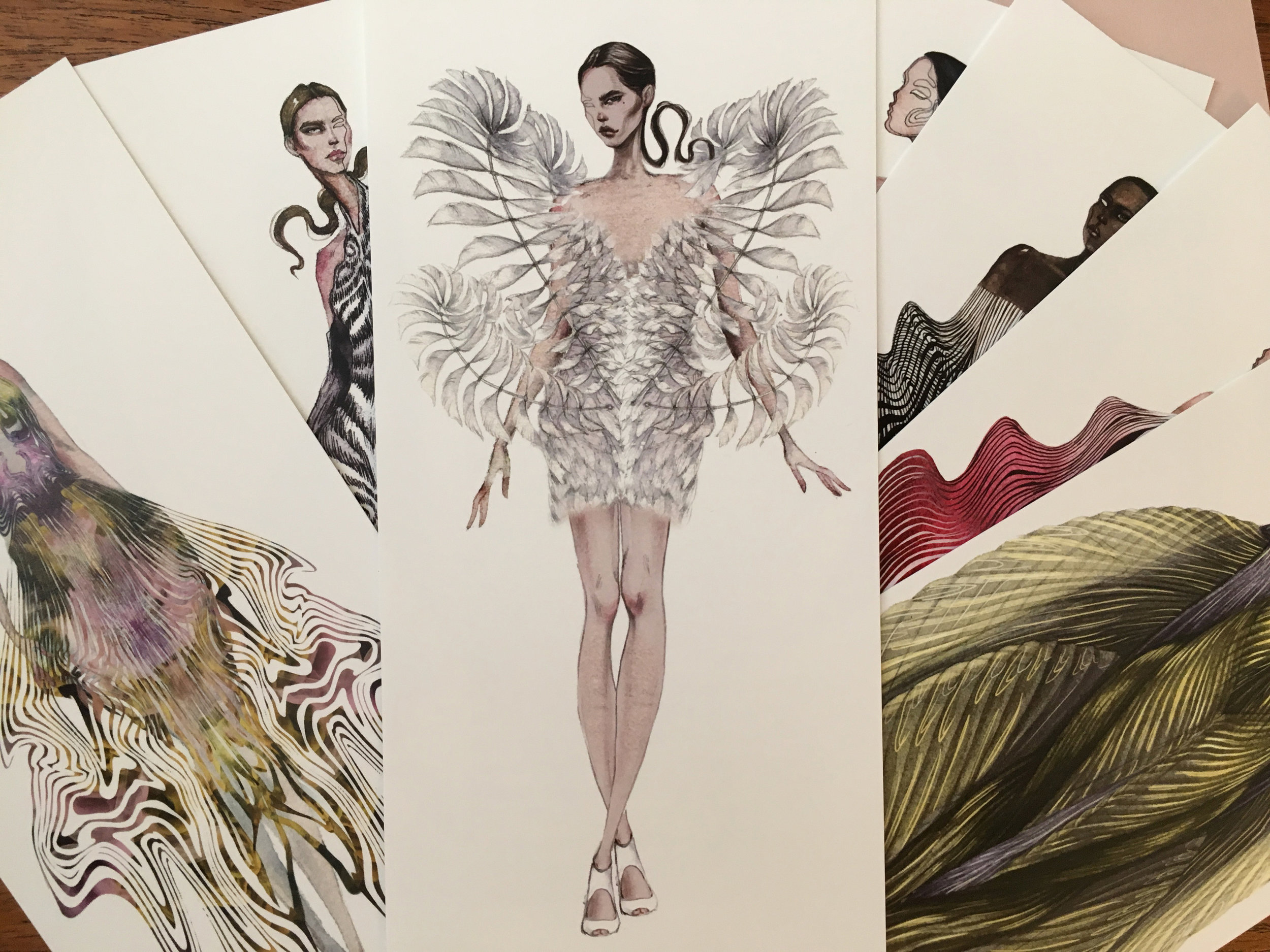 Carnet d'illustrations de la collection Hypnosis d'Iris van Herpen, haute couture automne-hiver 2019 - 2020, offert au public du défilé à l'Elysée Montmartre, le 1er juillet 2019 (illustration artwork : Nastya Kuzmina, photo : Le Boudoir Numérique)