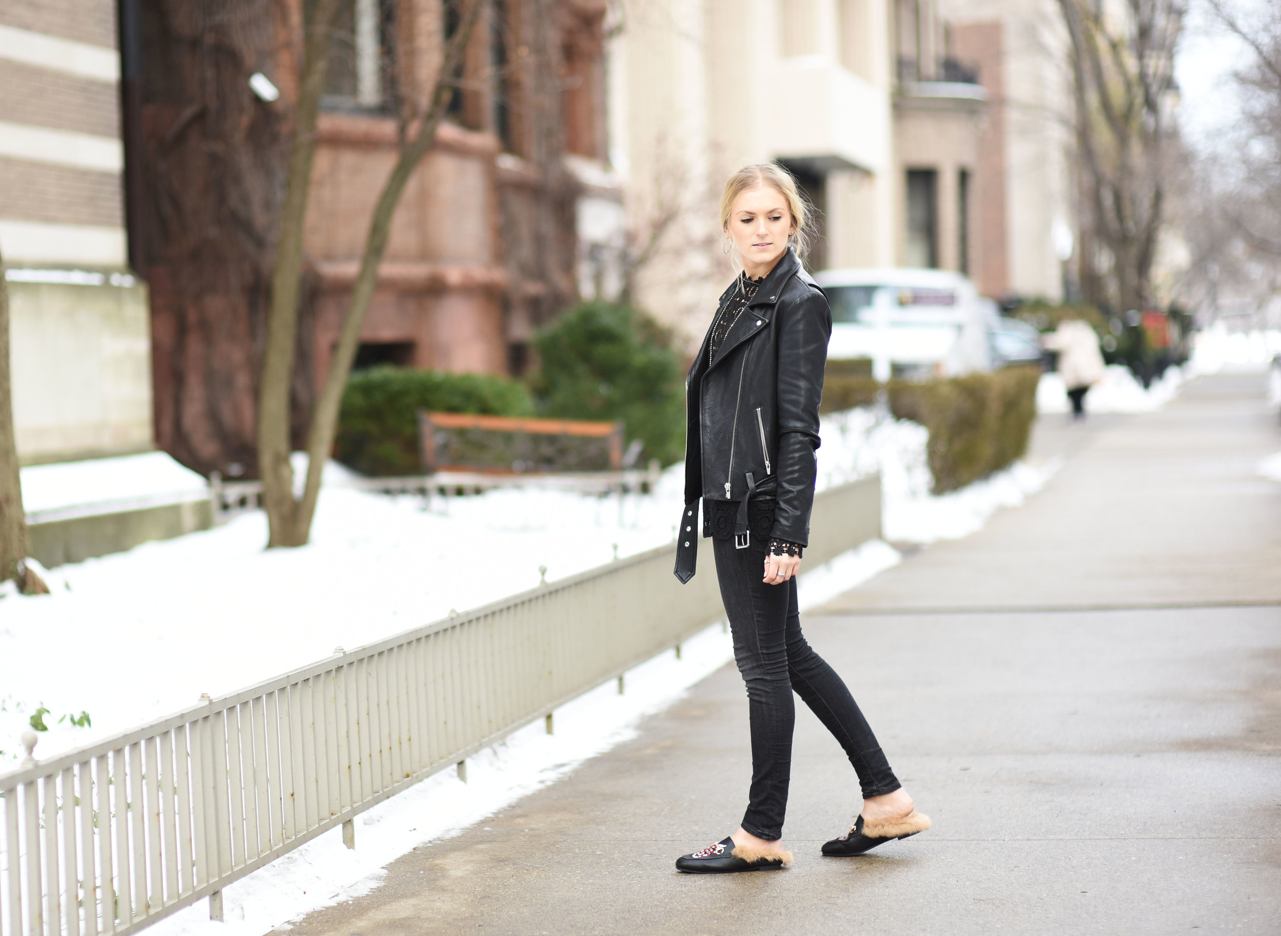 all-black-holiday-outfit