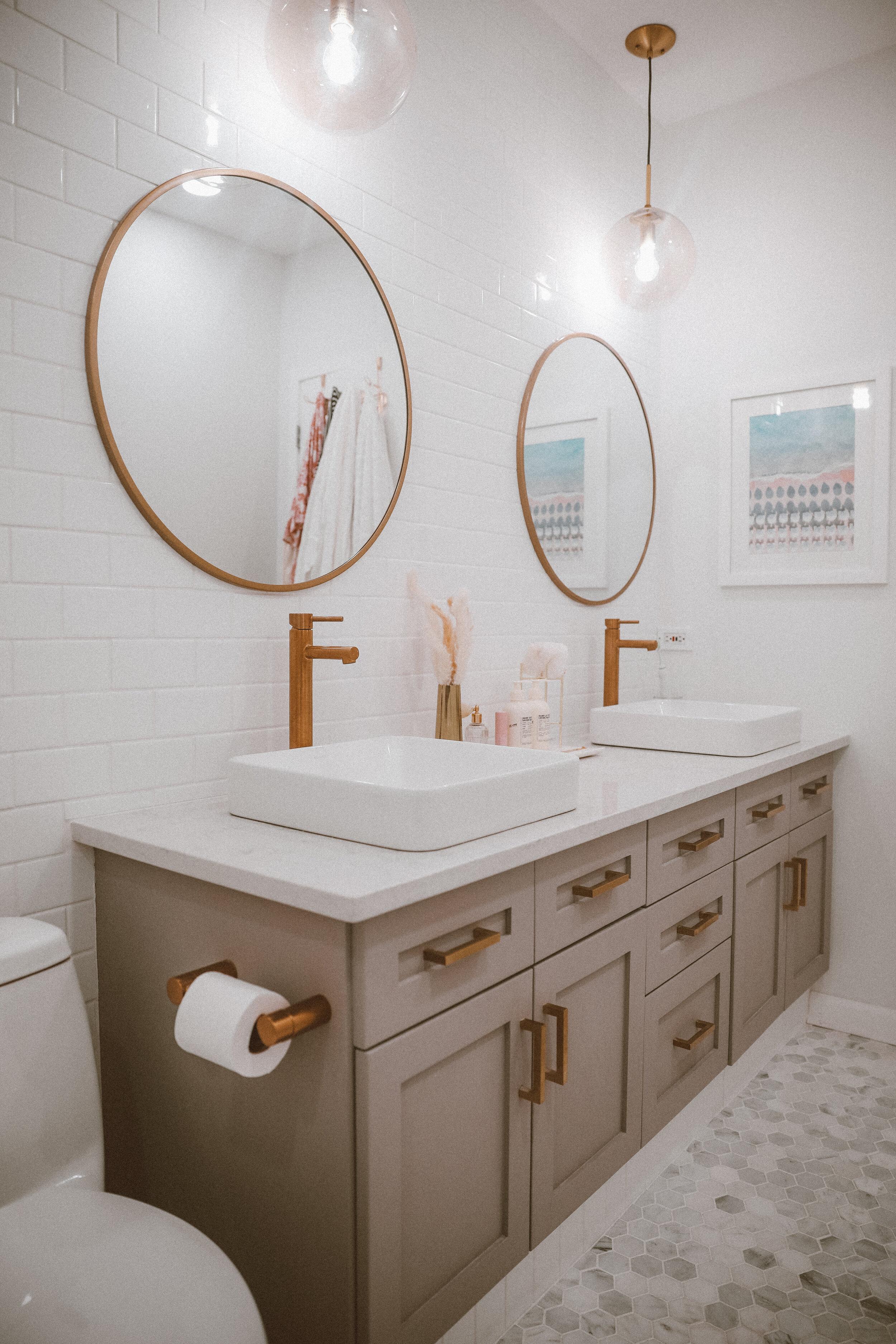 finishedbathroom_-5.jpg