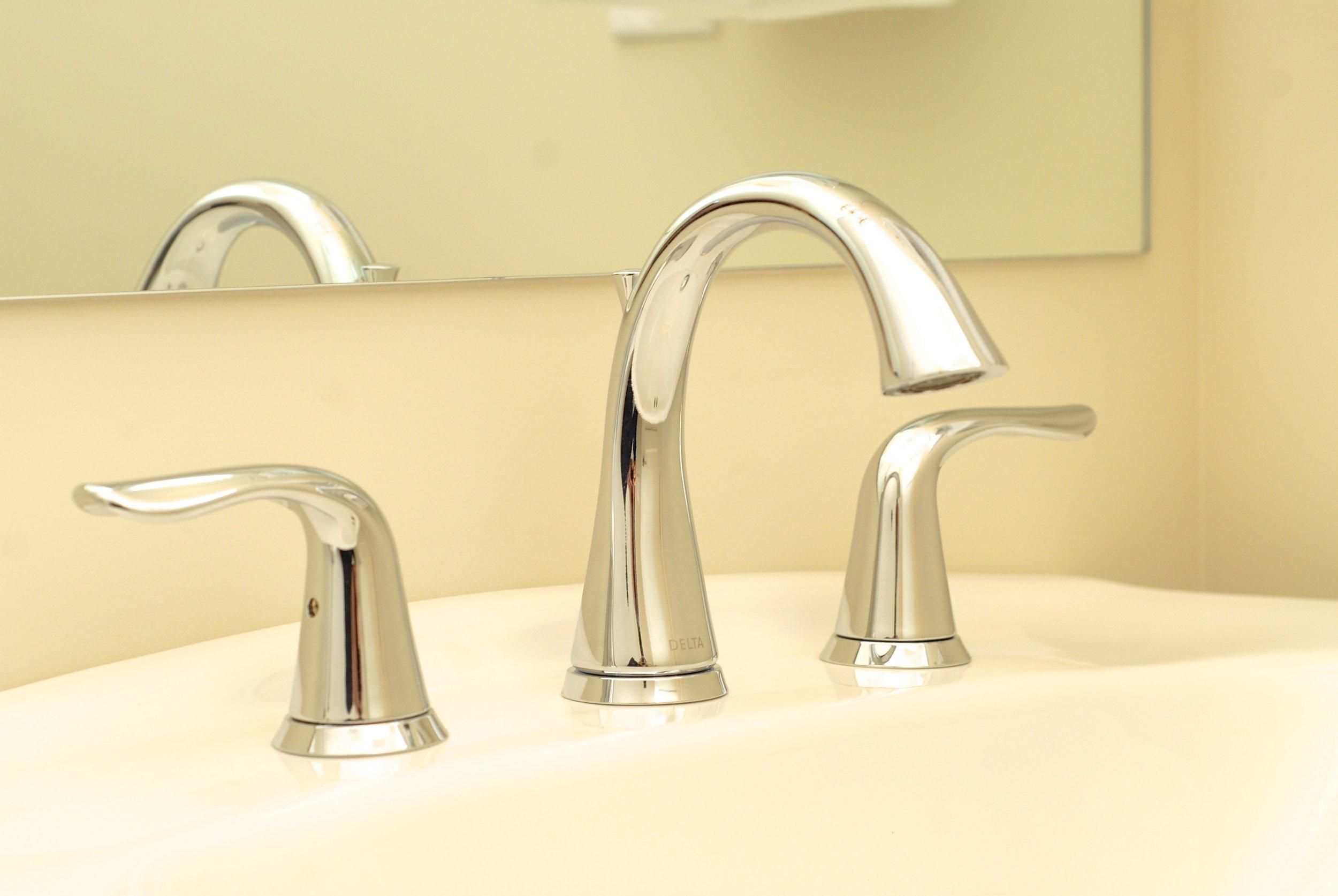 Delta chrome vanity faucet