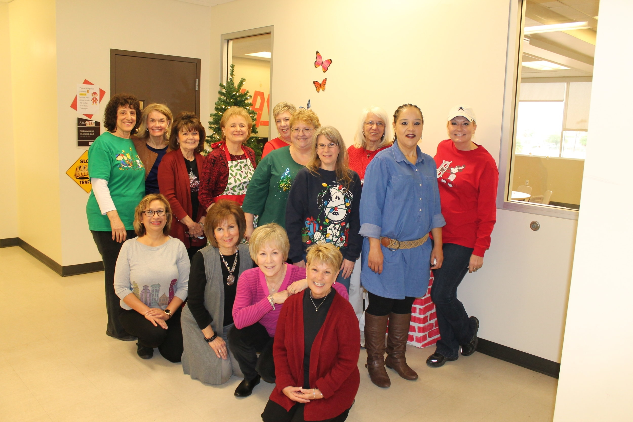 Vicki Voyce, team leader, organized the volunteers for a morning celebrating Jesus birth reading the Christmas story, expressing creativity with beads, frosting and crayons culminating with caramel corn, candy canes and cookies.