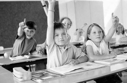 """""""Trasformare i sudditi in cittadini è il miracolo  che solo la scuola può compiere"""" (P. Calamandrei)"""