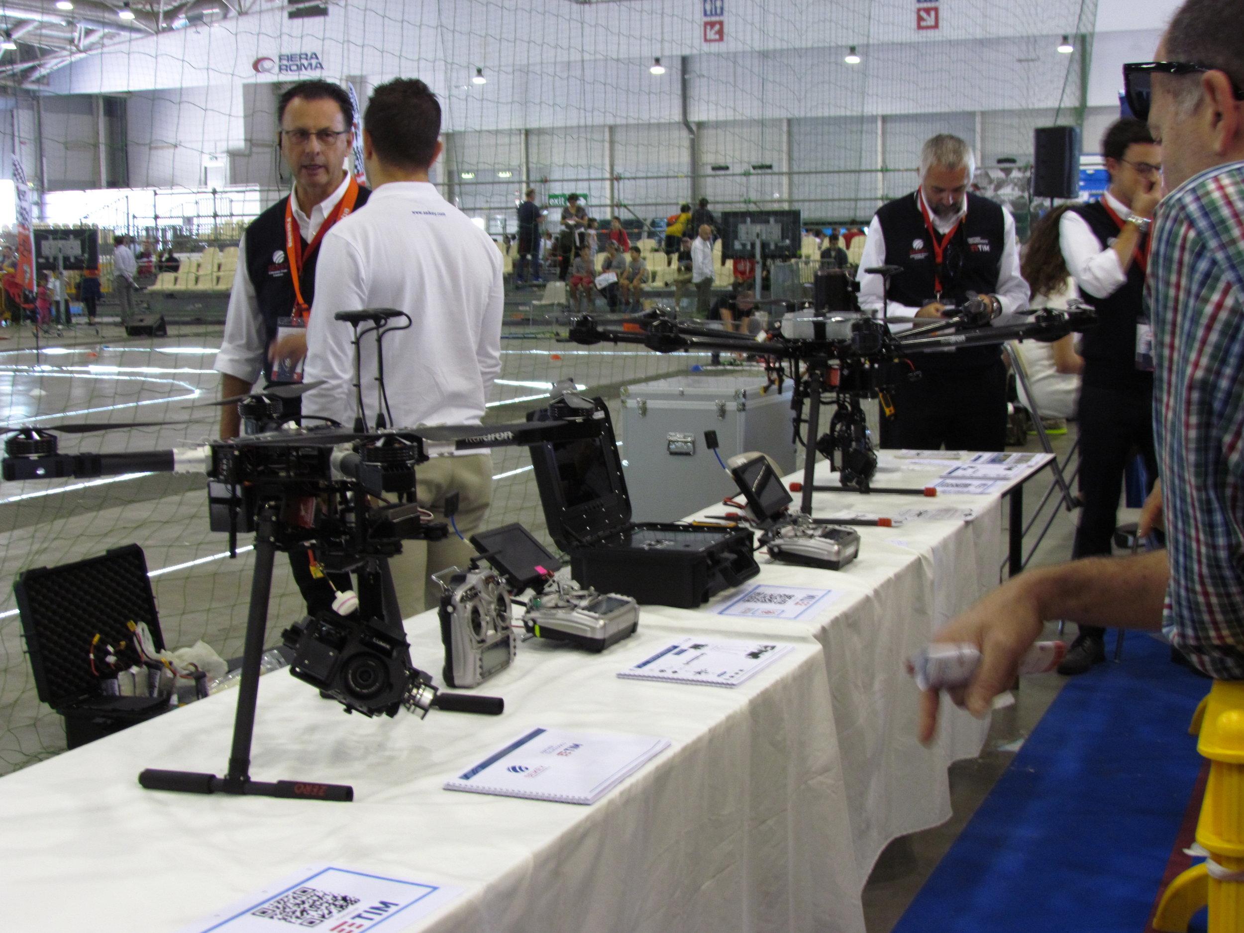 Uno dei tanti droni presenti alla fiera