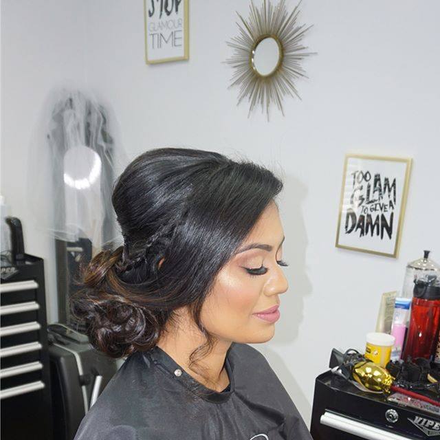 Hair trial and makeup for this beauty right before her surprise proposal (her friends were so cute secretly giving me a heads up)! . . . . . . . #bridetobe #2018bride #bridaltrial #indianbride #mallubride #redken #aquagehaircare #babylisspro #bioionic #heenadasbrides