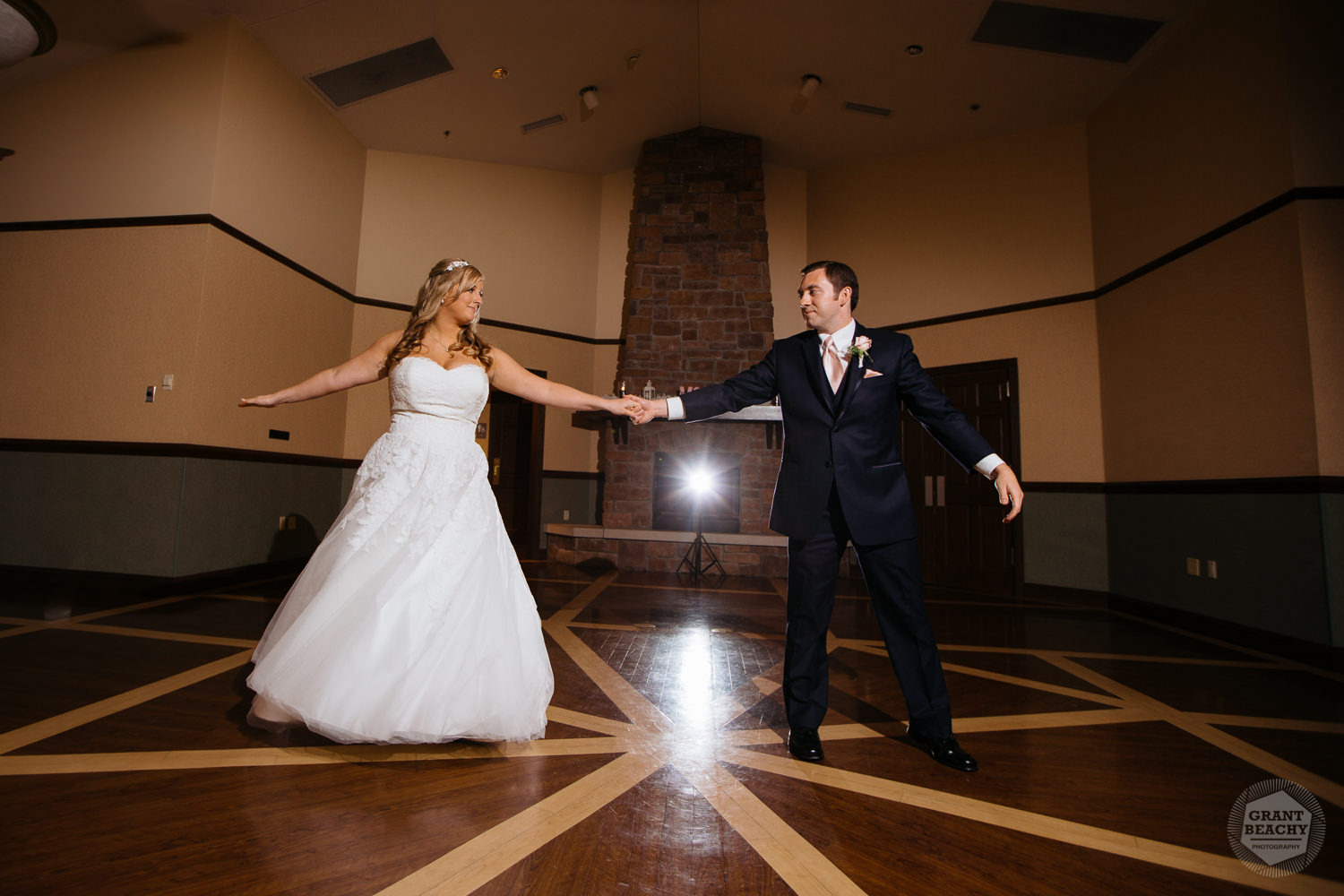 Grant Beachy wedding photography southbend goshen chicago-42.jpg