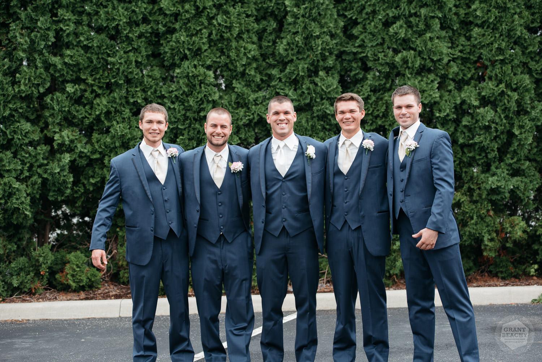 Kendalville wedding photographer Grant Beachy -15.jpg