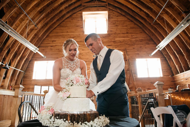 Kendalville wedding photographer Grant Beachy -38.jpg