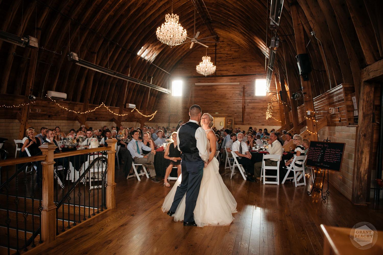 Kendalville wedding photographer Grant Beachy -39.jpg