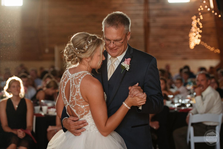 Kendalville wedding photographer Grant Beachy -40.jpg