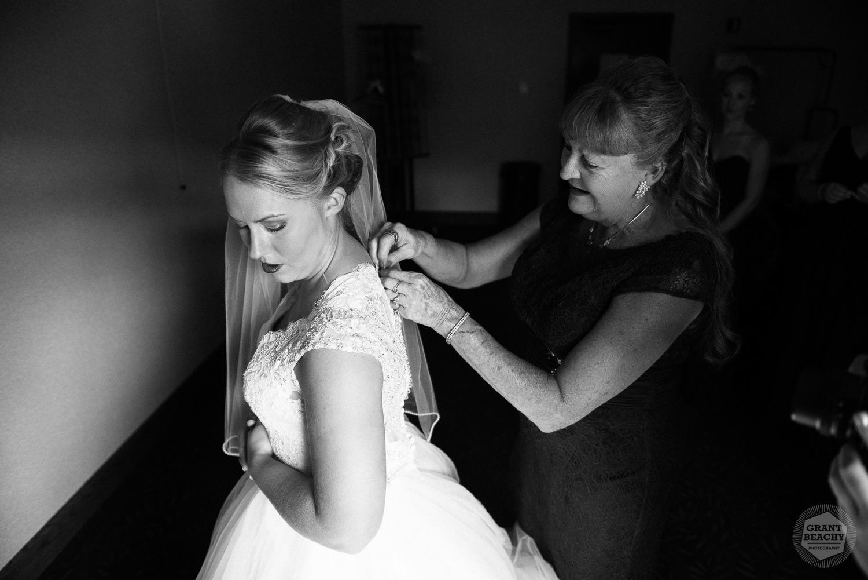 Grant Beachy wedding photography elkhart, south bend, chicago, goshen-9.jpg
