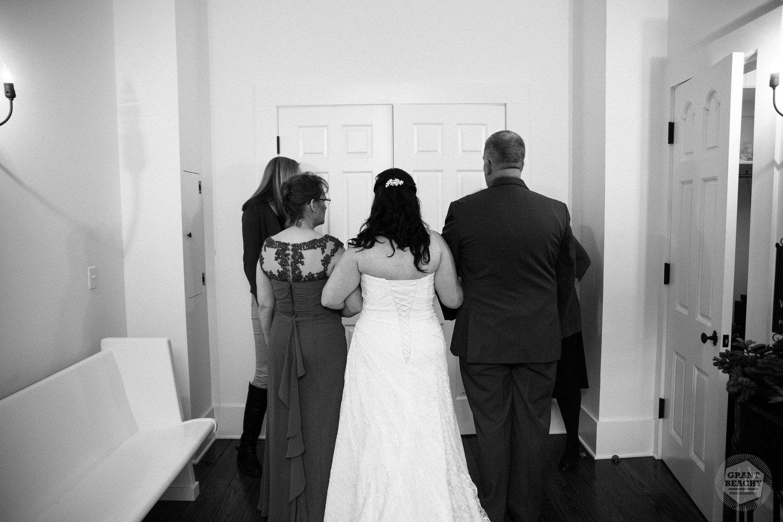Grant Beachy wedding photographer, elkhart, goshen, chicago, south bend-1116.jpg