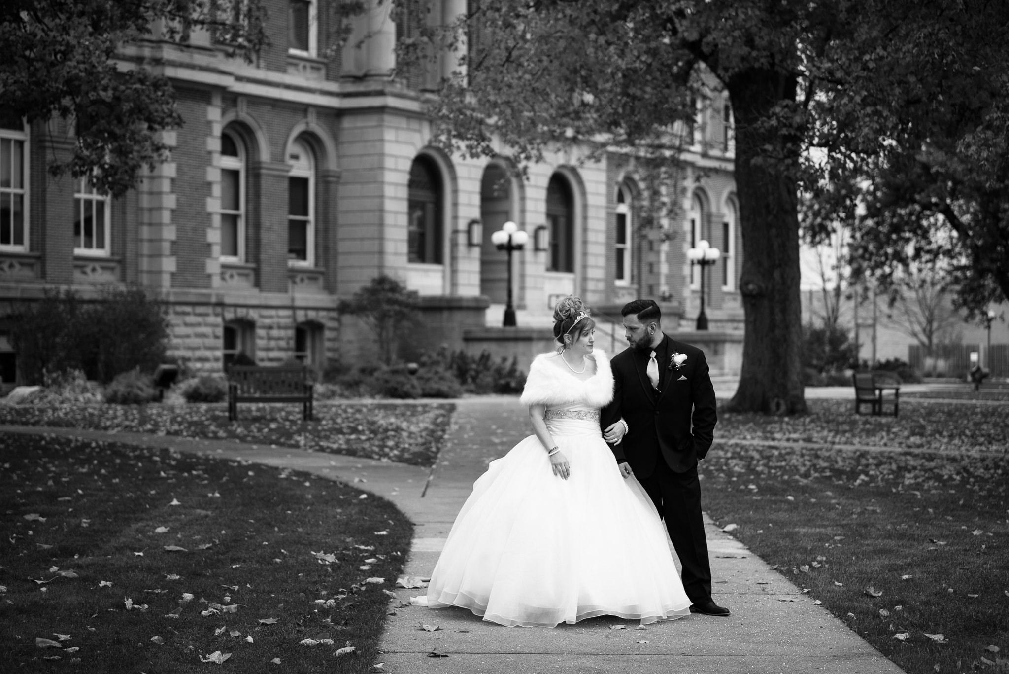 Grant Beachy Photo portrait wedding goshen elkhart south bend chicago-034.jpg