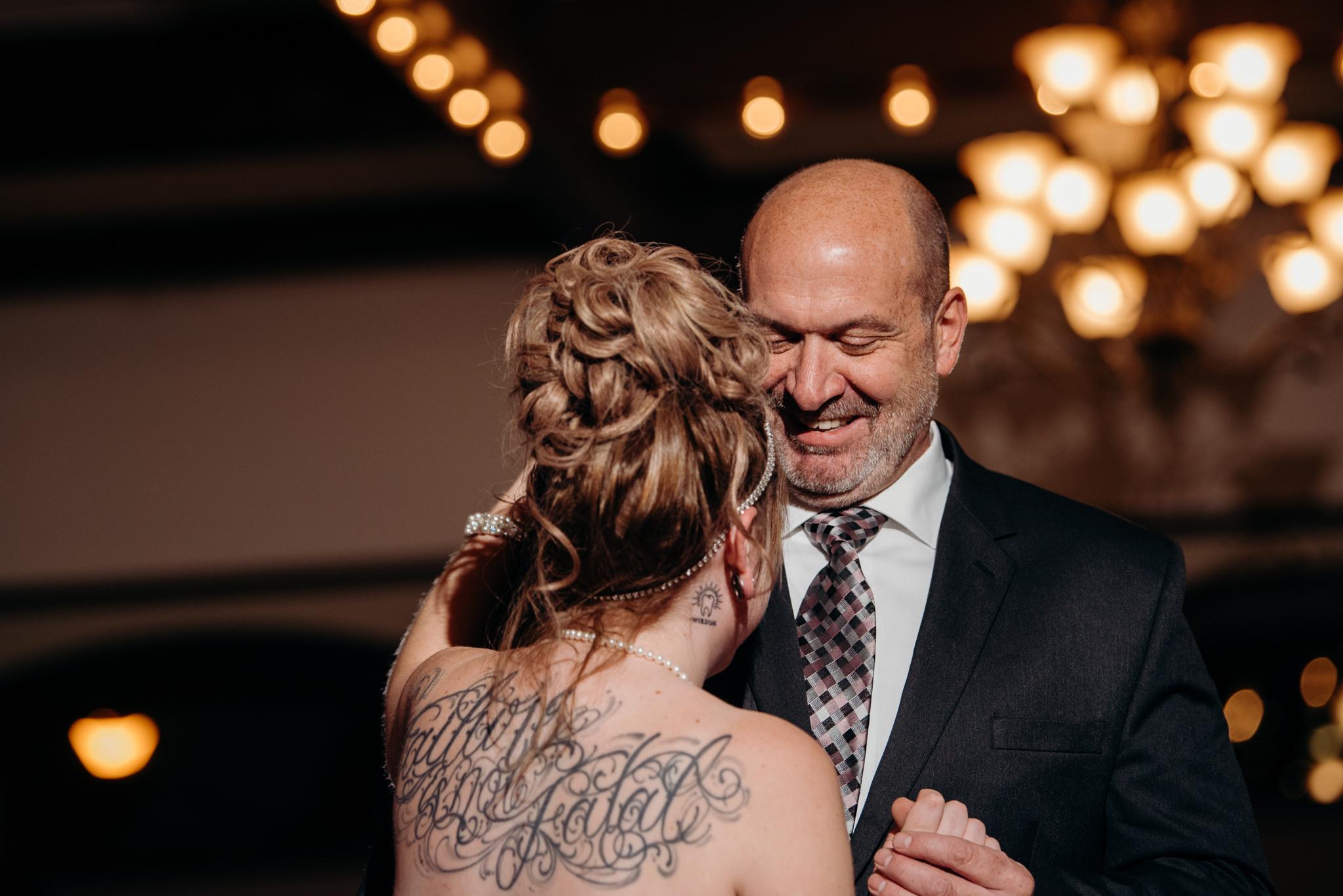 Grant Beachy Photo portrait wedding goshen elkhart south bend chicago-051.jpg