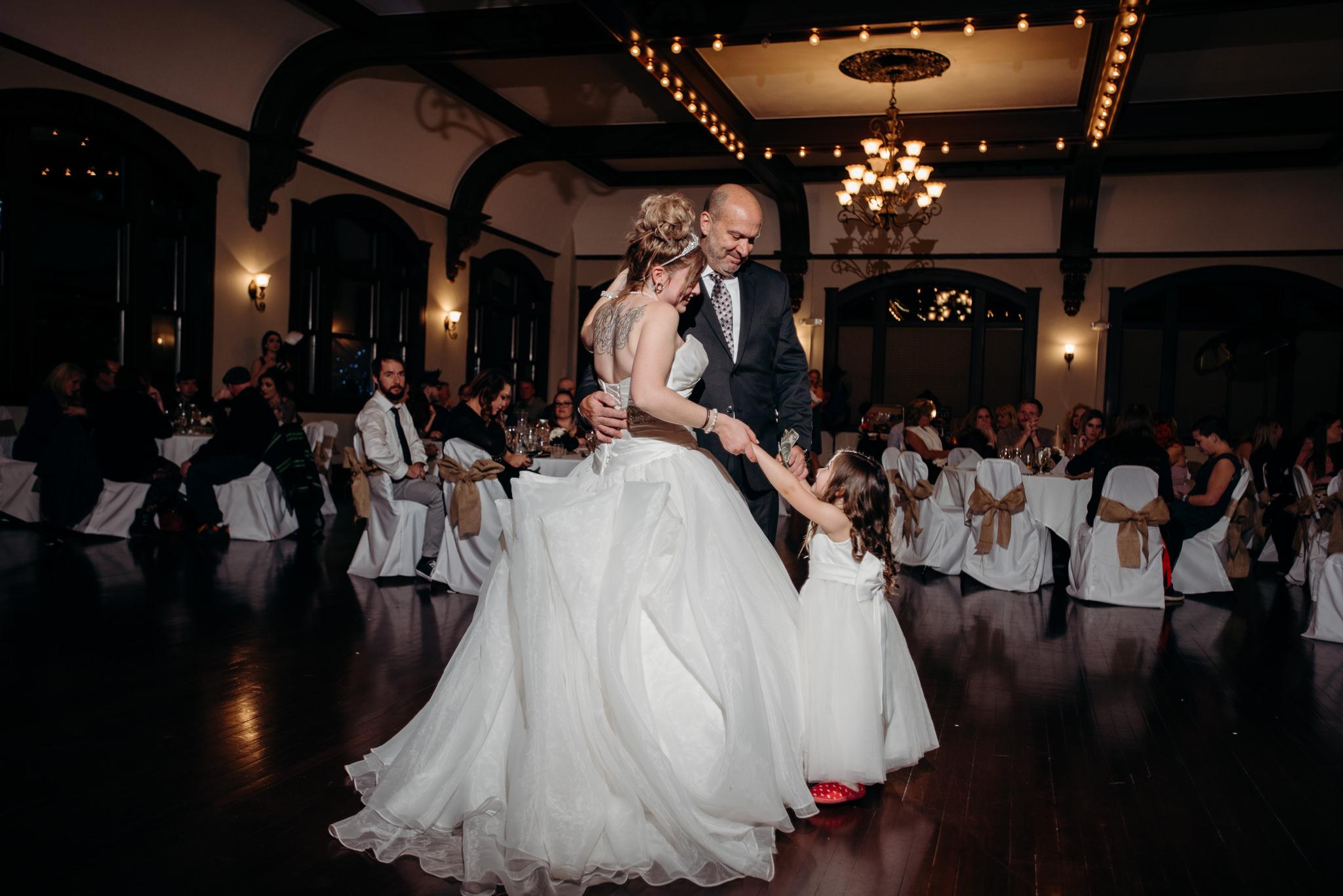 Grant Beachy Photo portrait wedding goshen elkhart south bend chicago-053.jpg