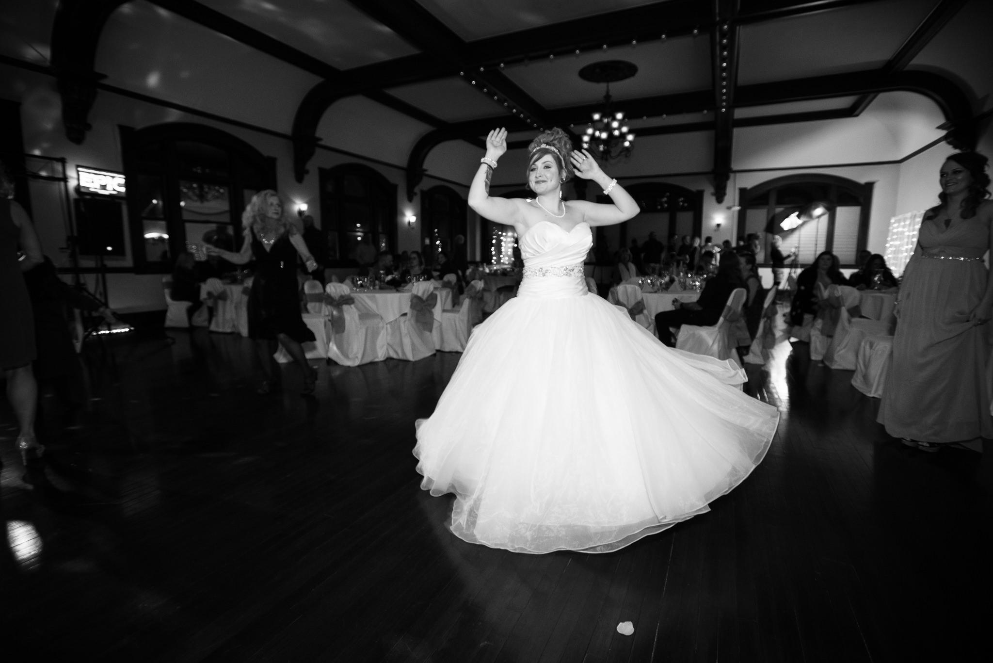 Grant Beachy Photo portrait wedding goshen elkhart south bend chicago-055.jpg