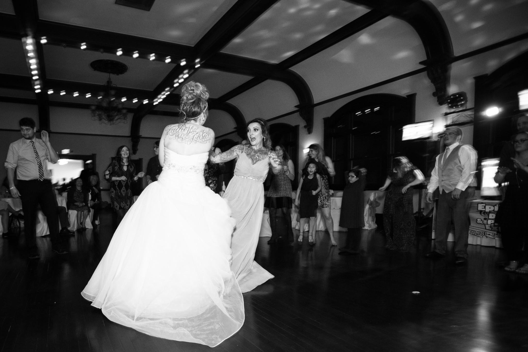 Grant Beachy Photo portrait wedding goshen elkhart south bend chicago-057.jpg