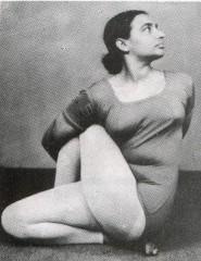 Ardha Matsyendrasana - Geeta Iyengar